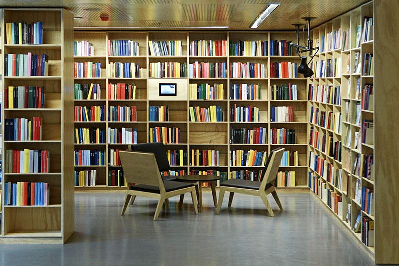 Δανειστική βιβλιοθήκη…(του Μιχαήλ Μεταξά)